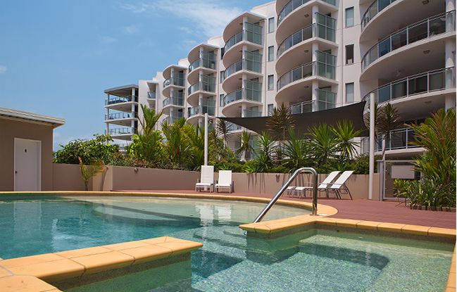 2 bedroom deluxe apartments vision cairns luxury apartments. Black Bedroom Furniture Sets. Home Design Ideas