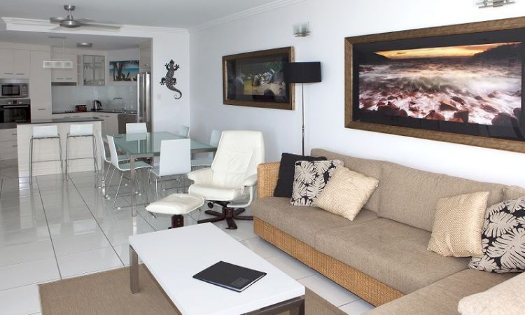 Vision Cairns 3 Bedroom Deluxe Lounge